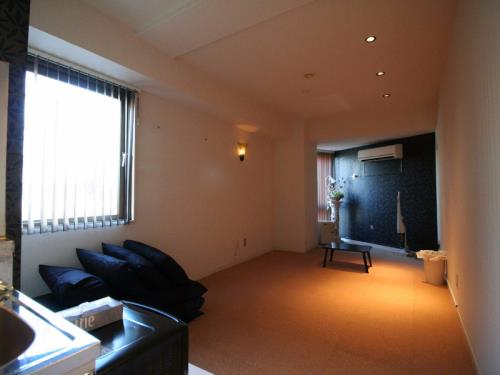 1 Bedroom Apartment near Shinjuku Gyoenmae J5