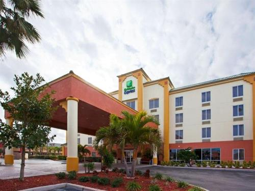 Holiday Inn Express Hotel & Suites Cocoa Beach के बारे में (Holiday Inn Express Hotel & Suites Cocoa Beach)