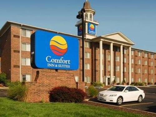 Comfort Inn and Suites Overland Park Kansas City South