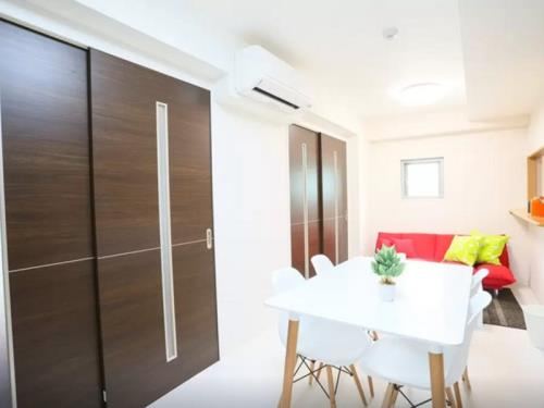 JH 3 Bedroom Apartment near Namba Dotonbori C9