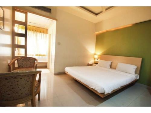 Vista Rooms at Ameerpet Cross Road