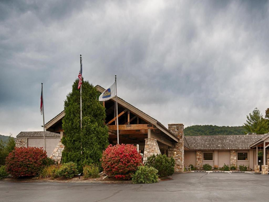Americourt Hotel Mountain City Best Western Mountain Lodge At Banner Elk Hotels Book Now