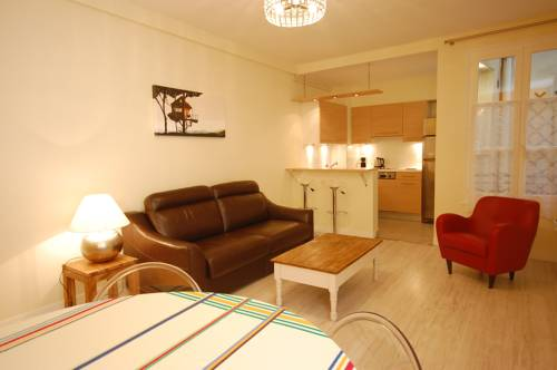 Apartment Close Champs Elysees.