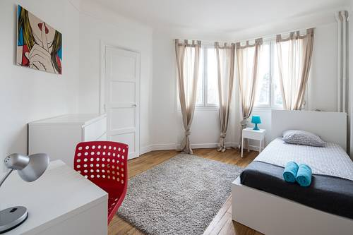 Three-Bedroom Apartment in Southern Paris