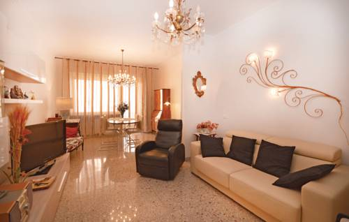 Two-Bedroom Apartment in Roma