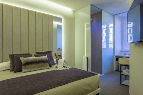 Room 230 Roma Luxury Suites