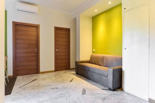 One-Bedroom Apartment in Rom I