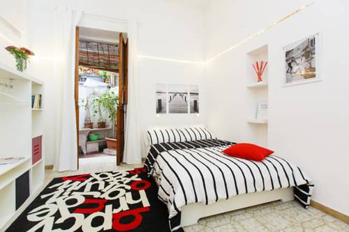Spanish Steps White Studio