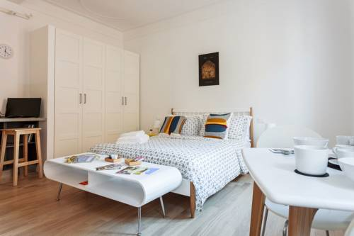 (Canonica Apartments)