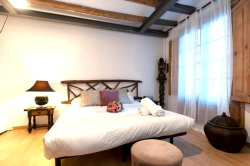 Places4stay Ramblas Port