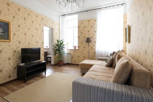 Apartment center Vosstaniya square