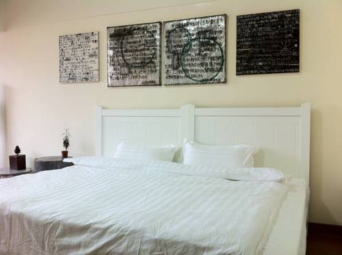 Home Space Art Guesthouse