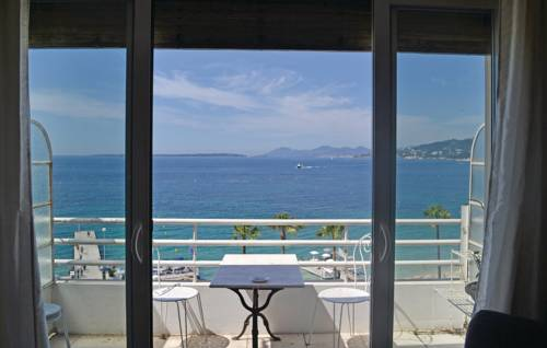 Apartment Juan les Pins with Sea View 08
