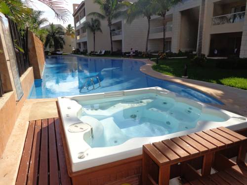 Private Studio with pool and jacuzzi