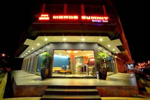 Merge Summit Hotel