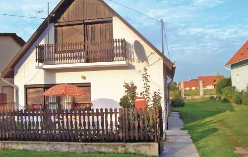 Holiday home Hársfa utca-Balatonlelle