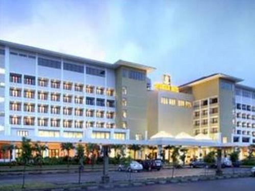 Sutanraja Hotel, Convention & Recreation