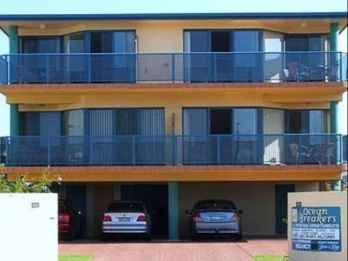 Ocean Breakers Holiday Apartments