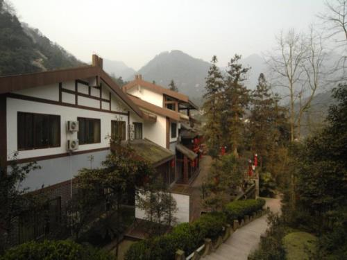Mount Emei Peace Hotel