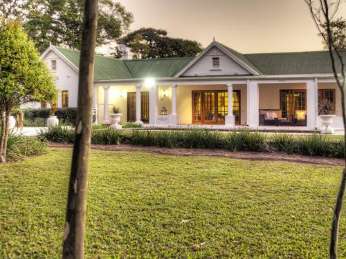 Nut Grove Manor Guest House
