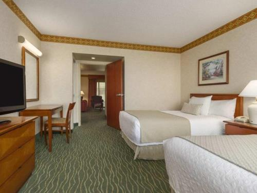 Embassy Suites Tampa Usf Near Busch Gardens Hotel