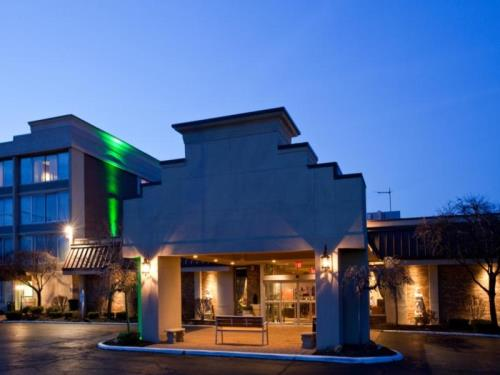 Holiday Inn Cleveland-Mayfield Hotel