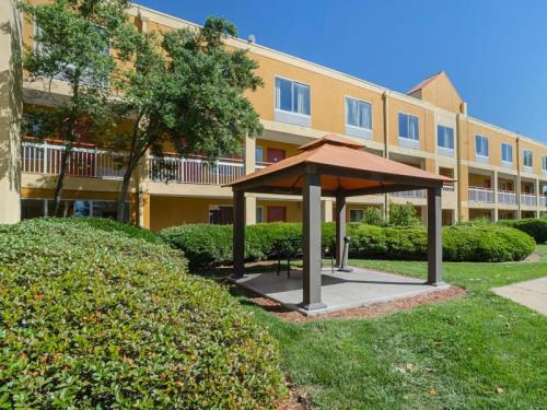Quality Inn and Suites Medical Park Durham
