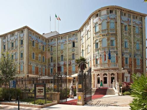 Про Grande Albergo Ausonia & Hungaria Wellness & SPA (Grande Albergo Ausonia & Hungaria Wellness & SPA)